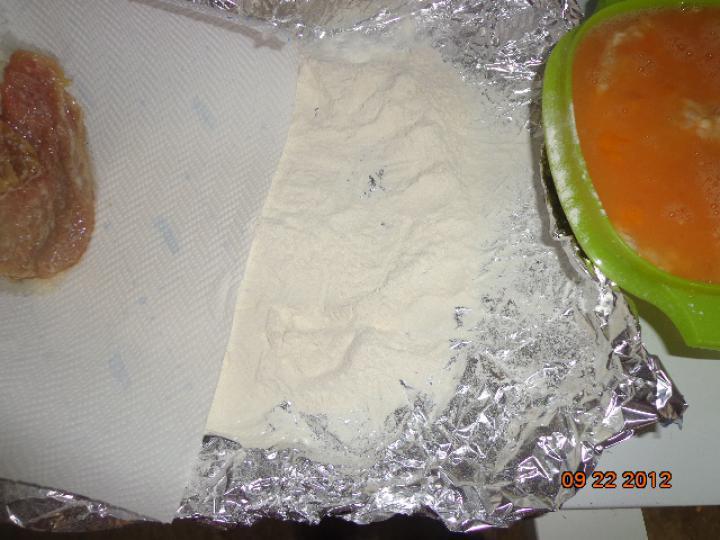 Diós-fokhagymás rántott szelet elkészítés 3. lépés képe