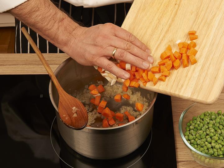 Zöldségleves elkészítés 2. lépés képe