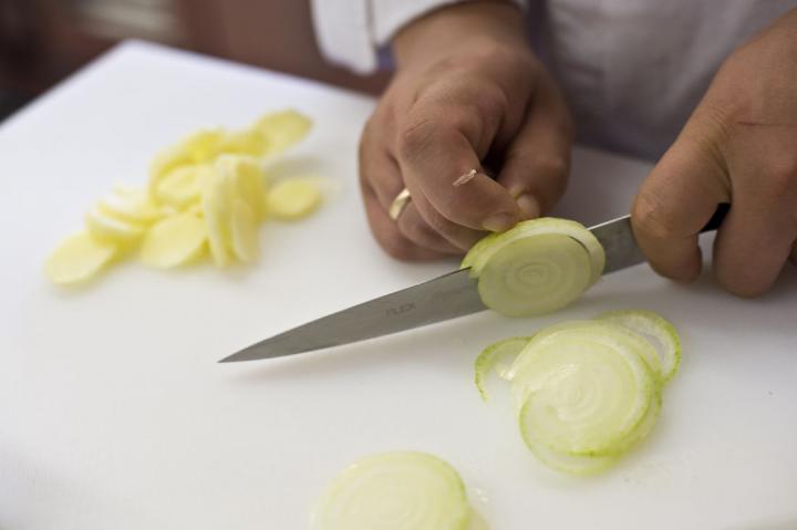 Tortilla spanyol paradicsom szósszal elkészítés 1. lépés képe