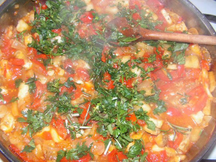 Zöldséges, zöldfűszeres tészta elkészítés 3. lépés képe