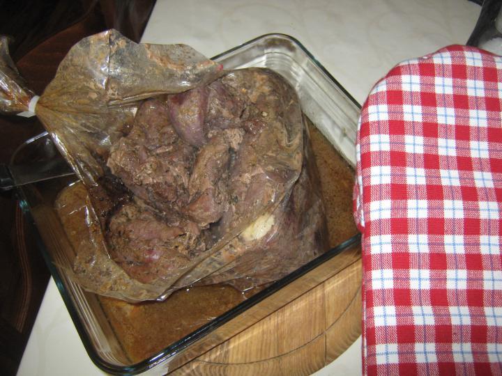 Vaddisznósült gomba mártással és gombás tésztával elkészítés 2. lépés képe