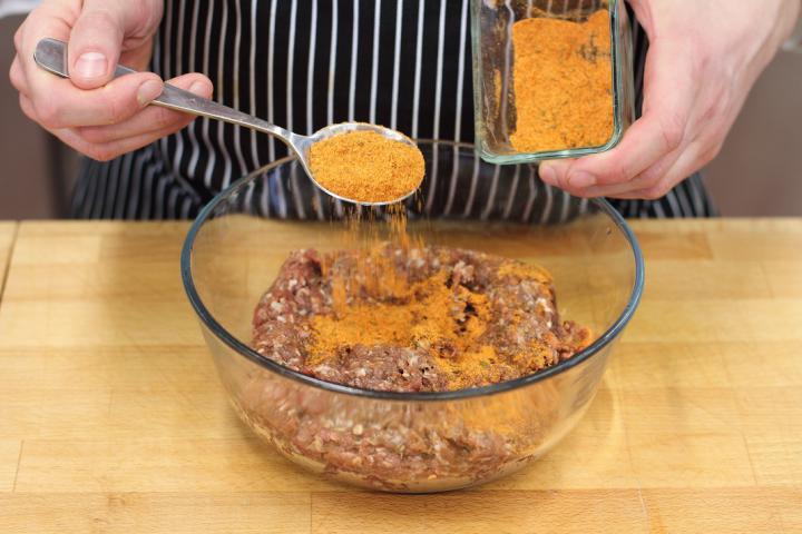 Klasszikus hamburger elkészítés 1. lépés képe