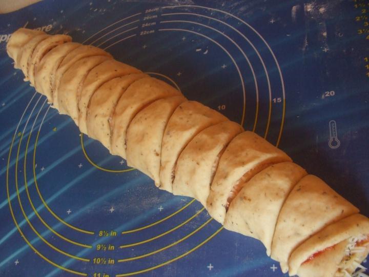 Pizzás sarkok elkészítés 7. lépés képe
