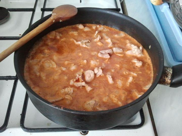 Tejfölös-borsós tokány elkészítés 2. lépés képe