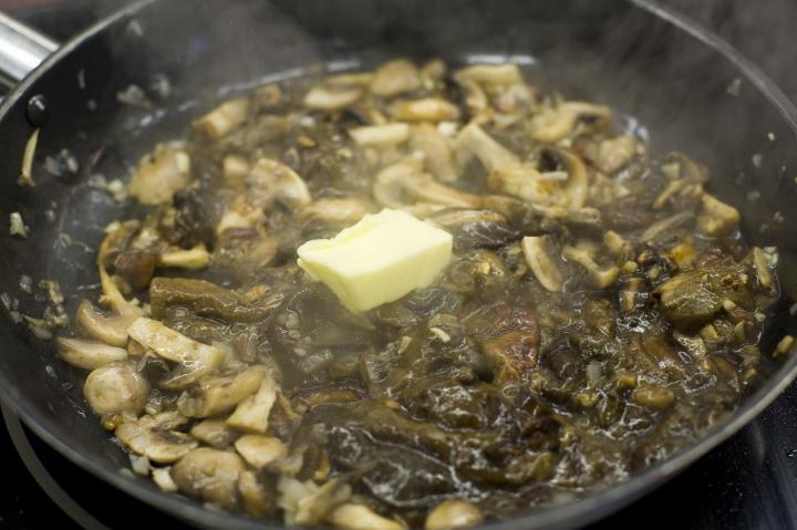 Karaj batyuk erdei gombákkal töltve elkészítés 2. lépés képe
