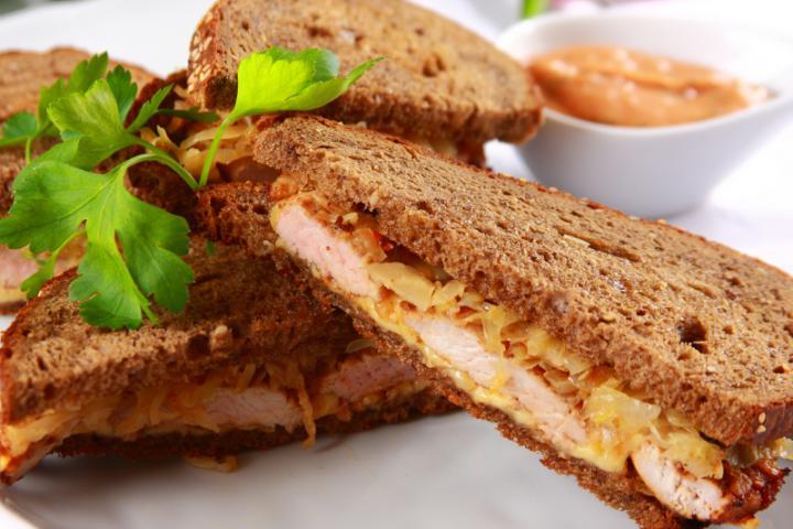 Savanyú káposztás gyros szendvics elkészítés 7. lépés képe