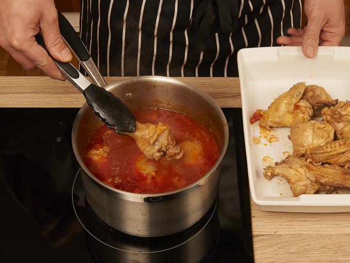 Csirkepaprikás elkészítés 6. lépés képe