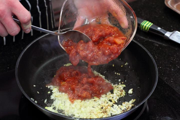 Csirkével töltött tortilla elkészítés 3. lépés képe