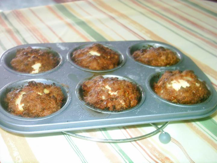 Kelkáposzta főzelék, tojással töltött  fasírozott pogácsával elkészítés 2. lépés képe