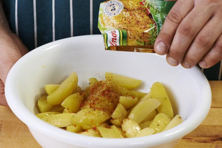 Saláta burgonyával és spárgával elkészítés 1. lépés képe