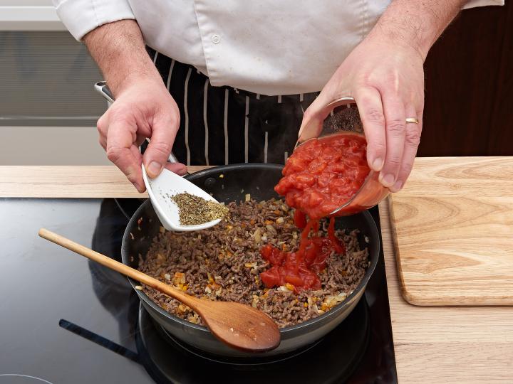 Klasszikus lasagne elkészítés 3. lépés képe