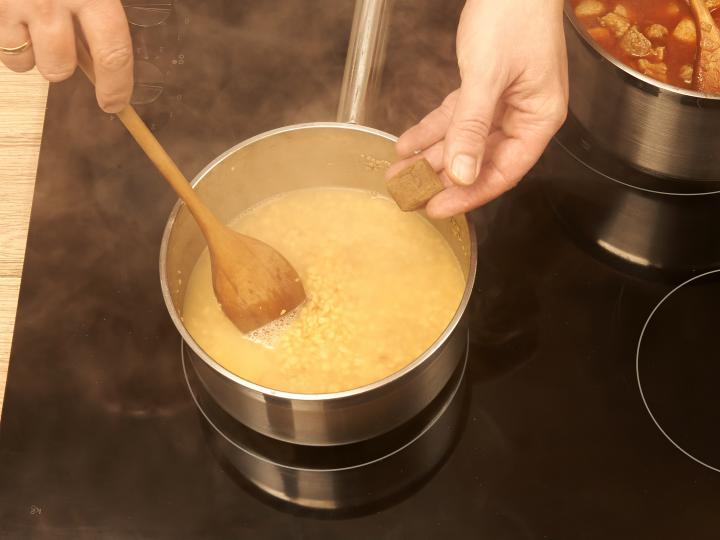 Tarhonyás hús elkészítés 4. lépés képe