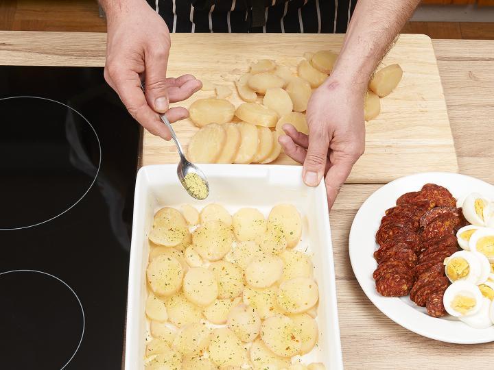 Rakott krumpli elkészítés 4. lépés képe