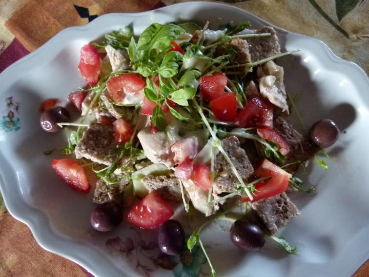 Borsócsírás csirkés saláta elkészítés 5. lépés képe