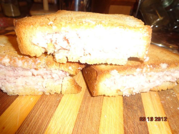 Fokhagymás pirított töltött kenyér elkészítés 4. lépés képe