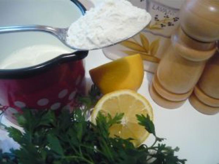 Csirkeraguleves burgonyagombóccal elkészítés 5. lépés képe