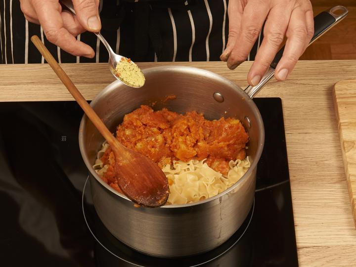 Krumplis tészta elkészítés 3. lépés képe