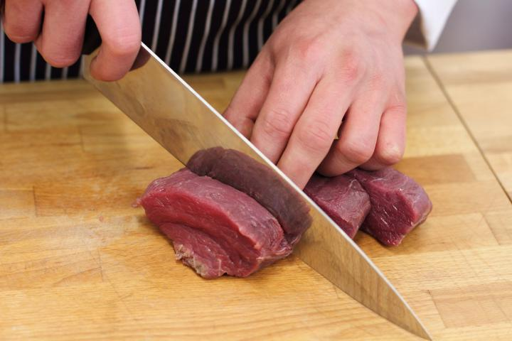 Zöldfűszeres-citromos bélszín steak elkészítés 1. lépés képe