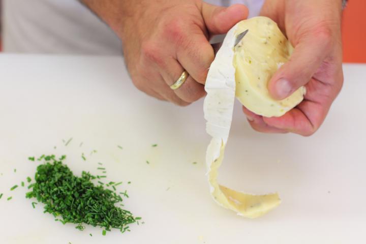 Camembert sajtos mártogatós elkészítés 1. lépés képe