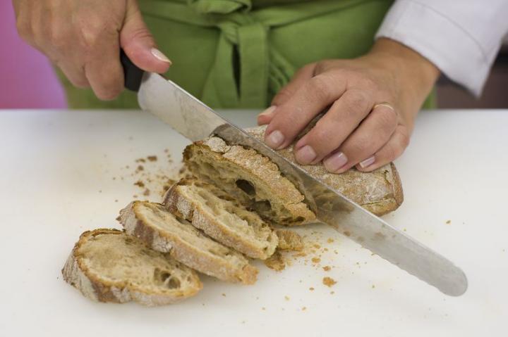 Gyümölcsös-sajtos mini szendvicsek elkészítés 1. lépés képe