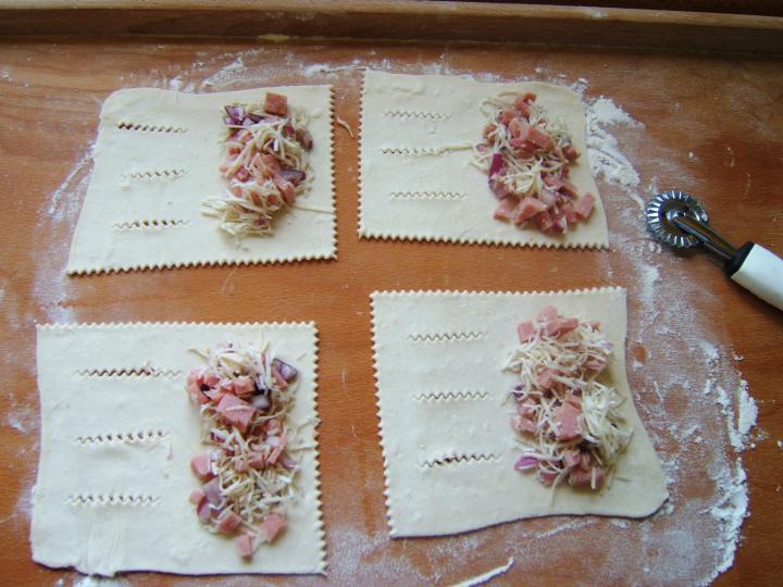 Sonkás leveles elkészítés 3. lépés képe