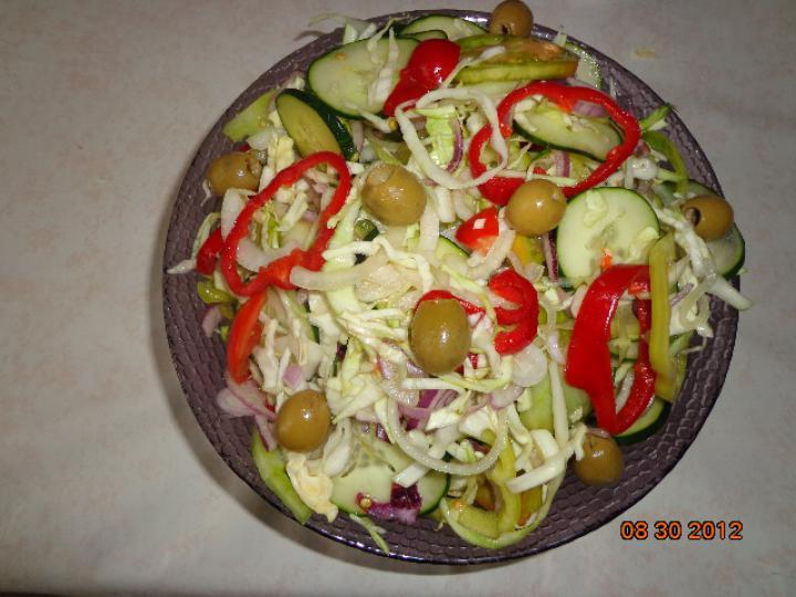 Gyors vitamin saláta elkészítés 3. lépés képe