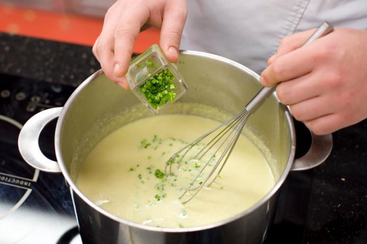 Könnyű sajtkrém lóbabbal elkészítés 4. lépés képe