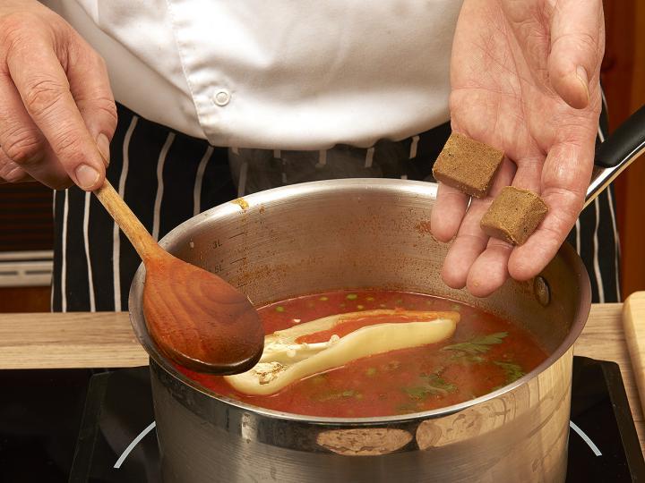 Magyaros zöldborsó leves elkészítés 5. lépés képe