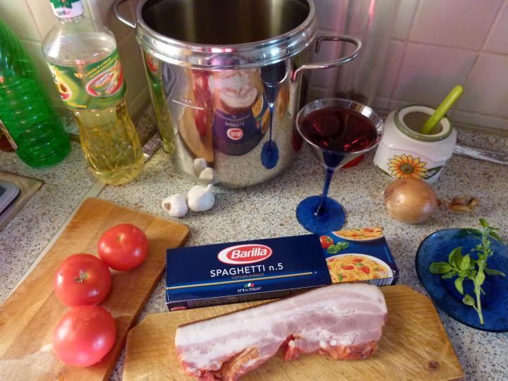 Vörösboros kolozsvári szalonnás spagetti csőben sütve elkészítés 1. lépés képe