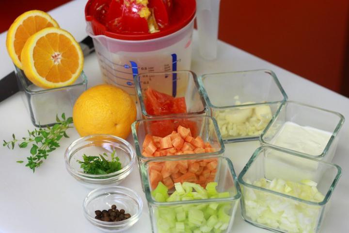 Zöldséges paradicsomleves narancs ízzel. elkészítés 1. lépés képe