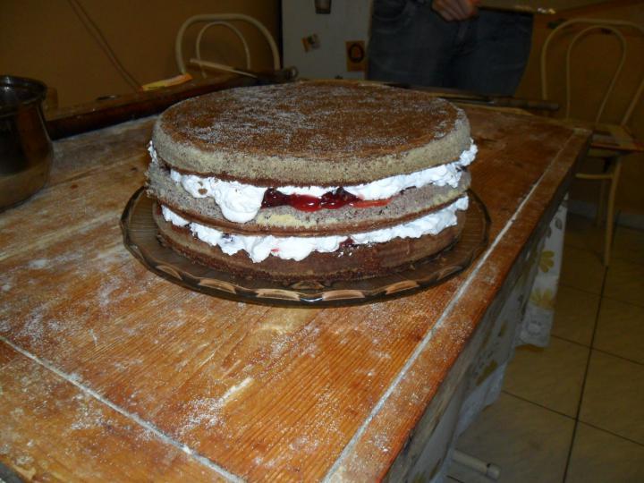 Feketeerdő torta elkészítés 5. lépés képe
