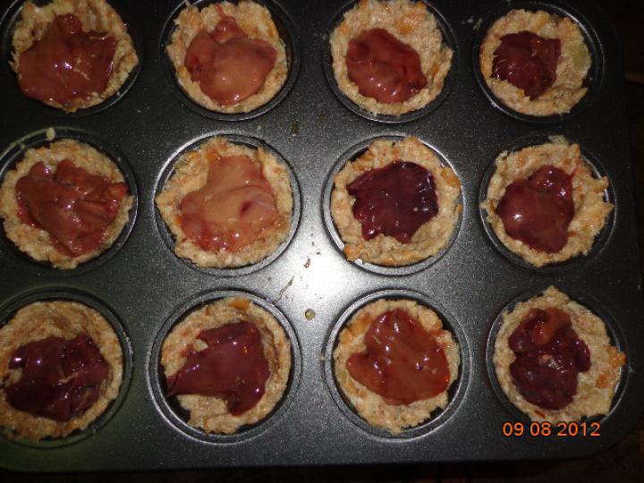 Csirkemájas muffin elkészítés 3. lépés képe