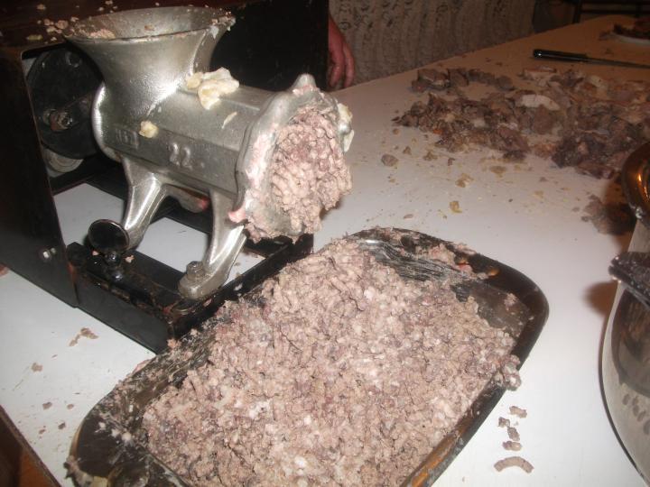 Kukorica kásás és rizses házi hurka elkészítés 2. lépés képe