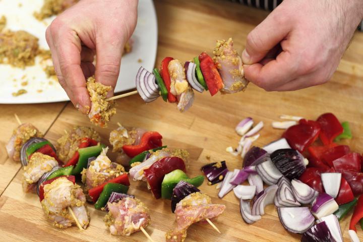 Mexikói csirkecomb nyárs elkészítés 4. lépés képe