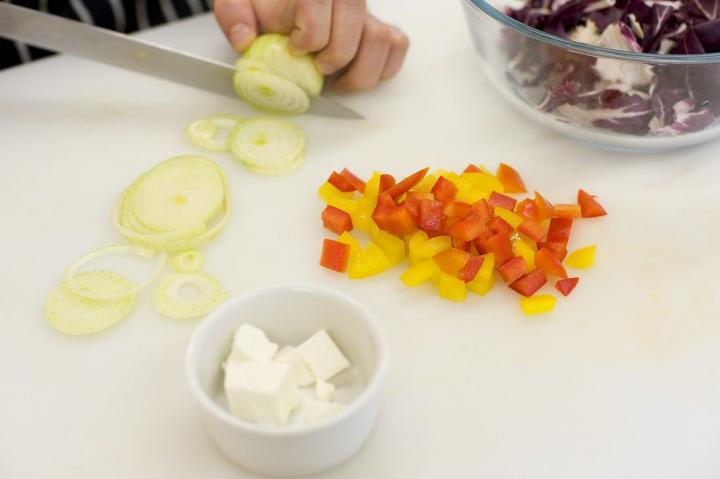 Görög saláta másképp elkészítés 2. lépés képe