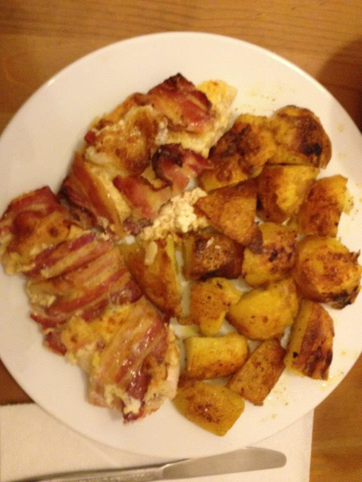 Baconbe tekert tejszínes csirkemell elkészítés 7. lépés képe
