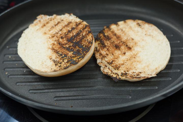 Zöldséges pulyka burger elkészítés 3. lépés képe