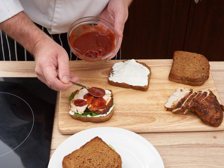 Gyros szendvics elkészítés 5. lépés képe