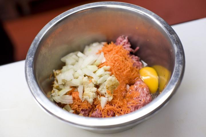 Töltött csirke elkészítés 2. lépés képe