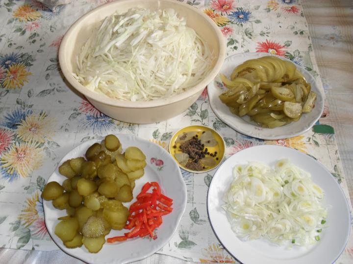 Káposzta saláta elkészítés 3. lépés képe