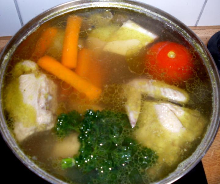 Csirkehús leves elkészítés 2. lépés képe