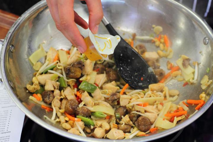 Kínai gyömbéres csirke elkészítés 4. lépés képe