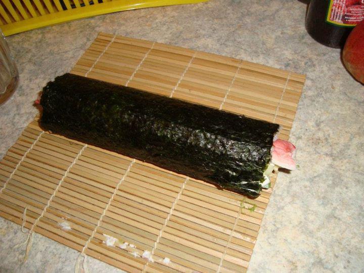 Monster Sushi - Óriás Philadelphia tekercs elkészítés 4. lépés képe