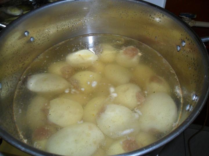 Paradicsomos töltött krumpli elkészítés 5. lépés képe