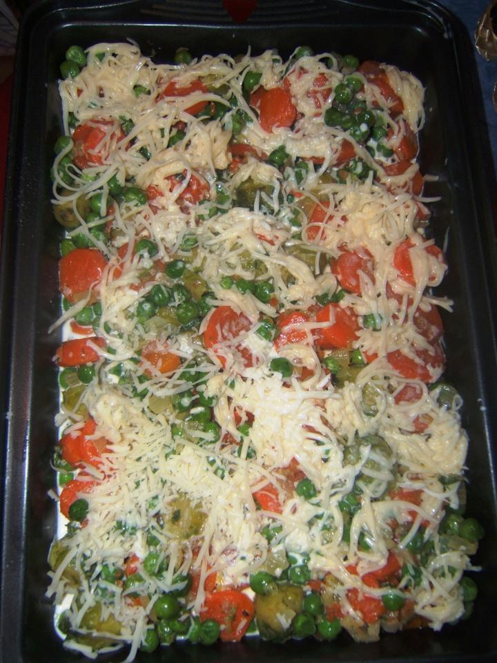 Tejszínben sült zöldségek elkészítés 3. lépés képe
