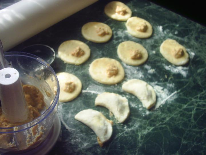 Sertéshúsleves zöldséges húsos párnácskákkal elkészítés 3. lépés képe