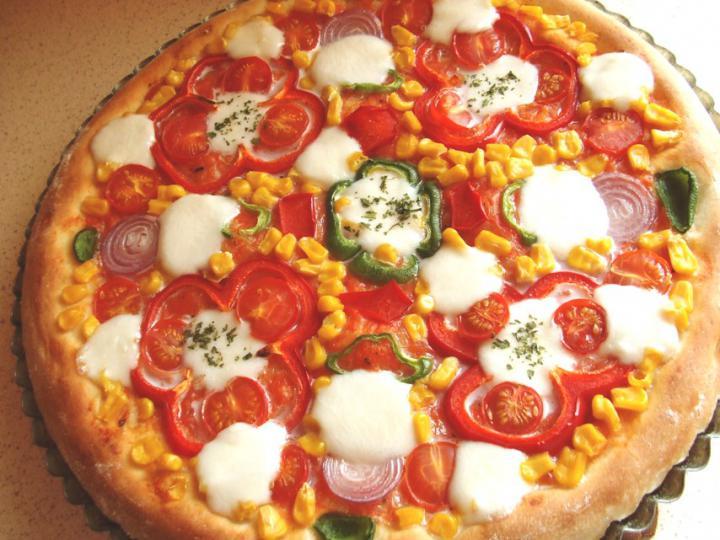 Mozzarellás vega pizza elkészítés 7. lépés képe