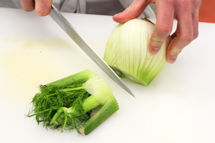 Ropogós édeskömény saláta baconnel elkészítés 2. lépés képe