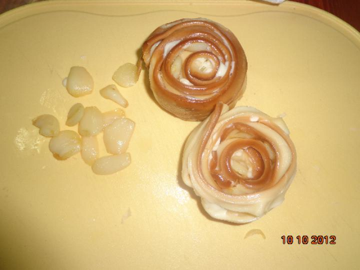 Sült fokhagymával töltött parenyica sajt paradicsomsalátával elkészítés 5. lépés képe