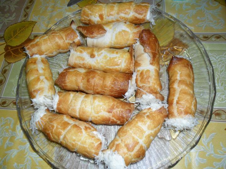 Leveles roló sajtkrémmel töltve elkészítés 4. lépés képe